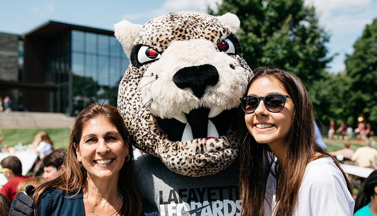 Lafayette College Parent, child and mascot
